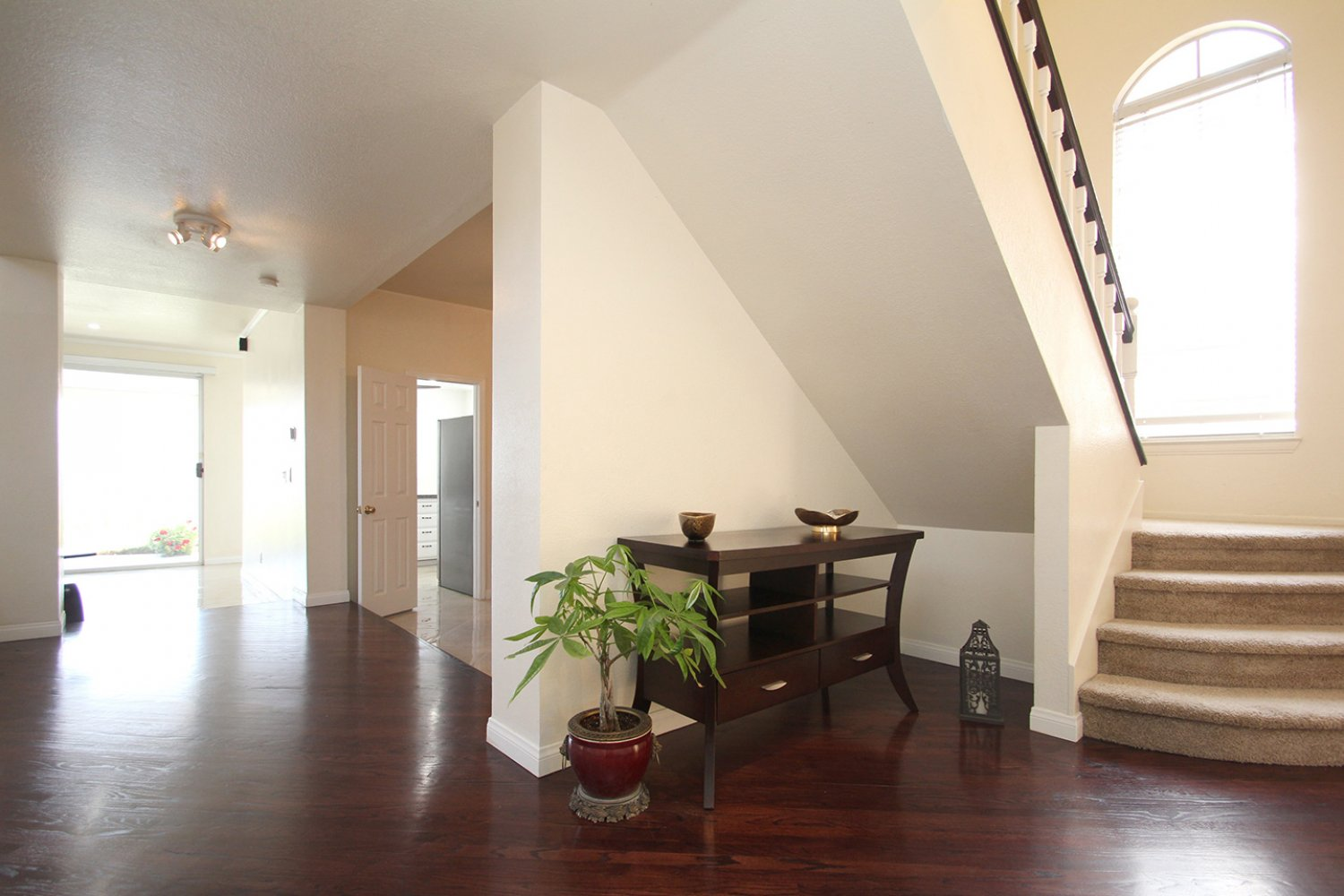 18602 Camelot Ct | Photo 3