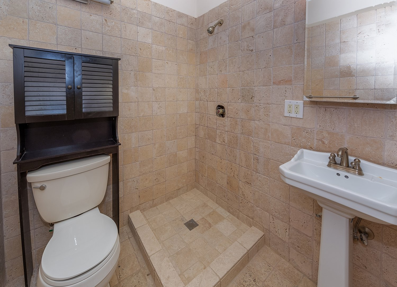 1090 Palm Ter | Large Photo 27