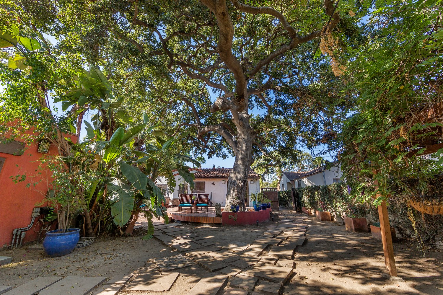 1090 Palm Ter | Large Photo 31