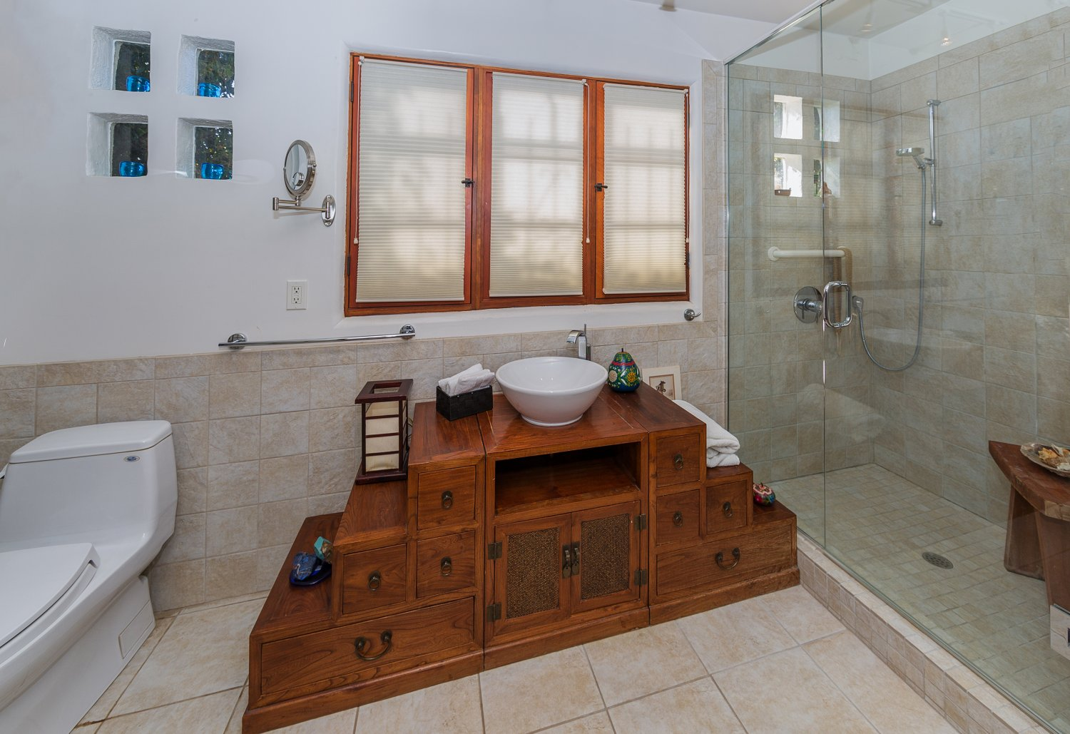 1090 Palm Ter | Large Photo 17