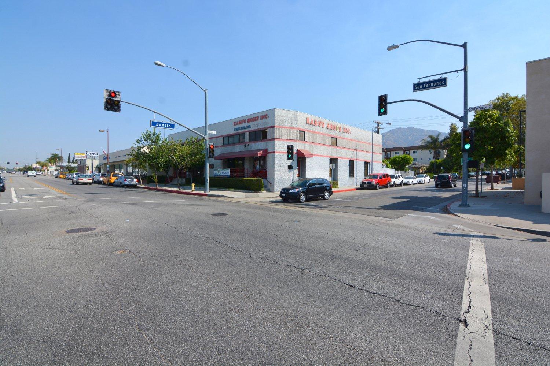 6504 San Fernando Rd