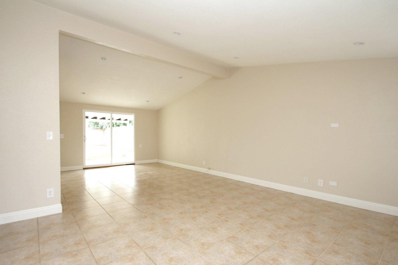 27540 Esterbrook Ave | Large Photo 6