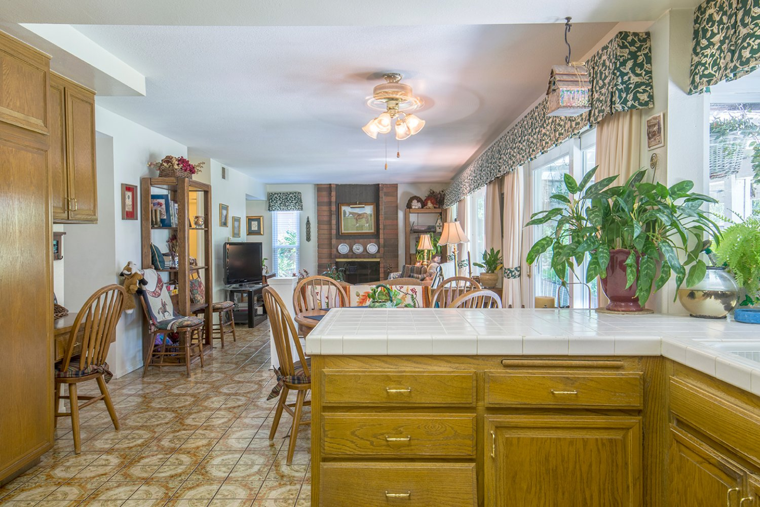 5614 E Crater Lake Ave | Large Photo 14