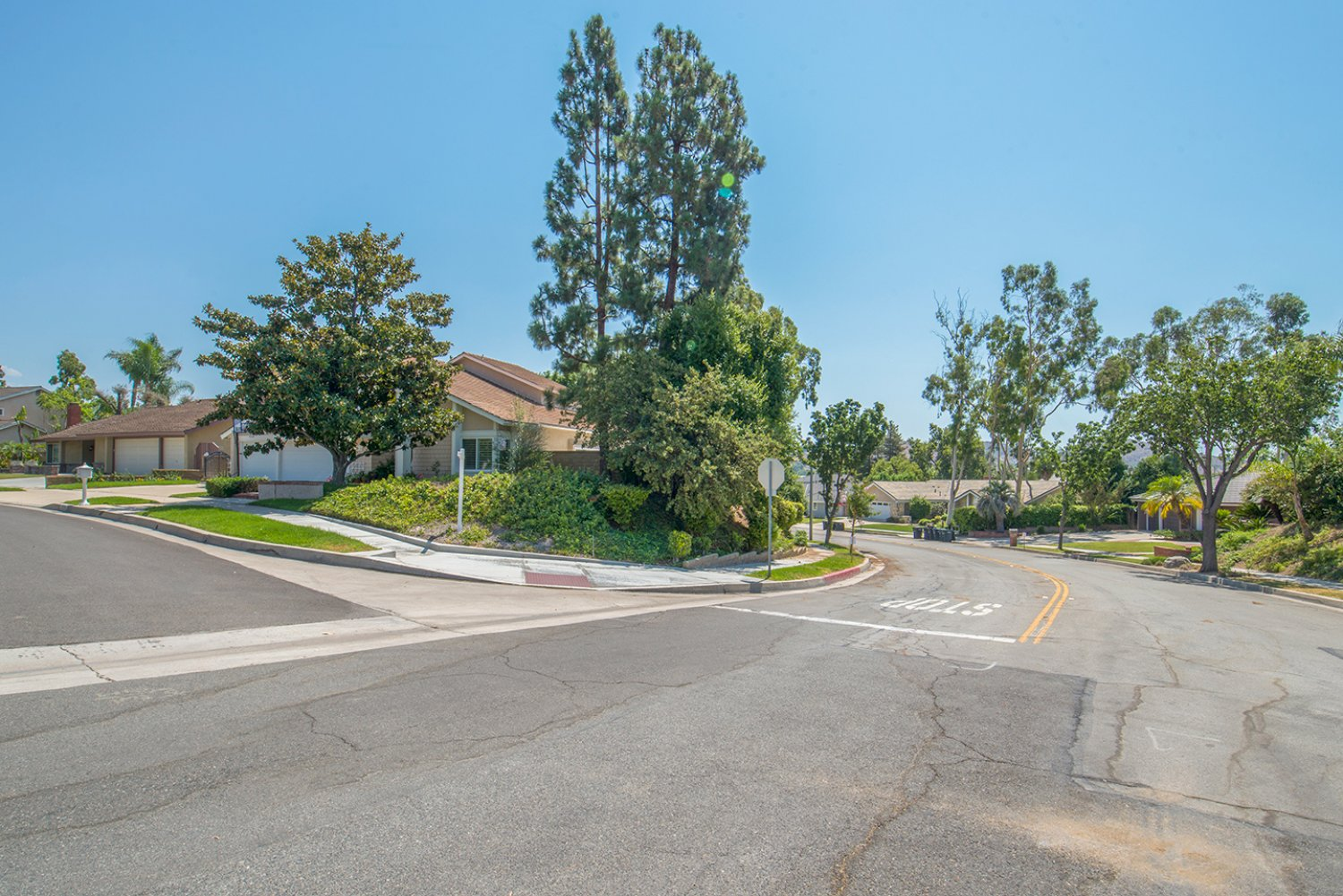 5614 E Crater Lake Ave | Large Photo 1