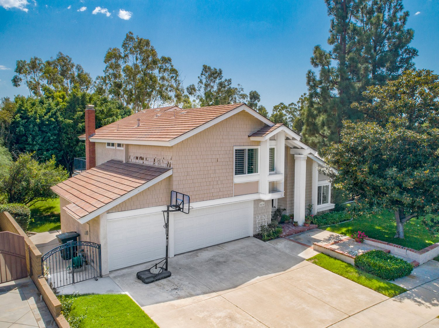 5614 E Crater Lake Ave | Large Photo 32