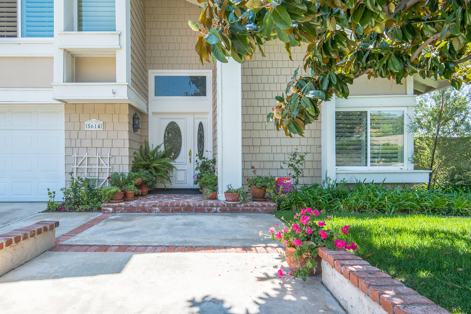 5614 E Crater Lake Ave | Large Photo 3
