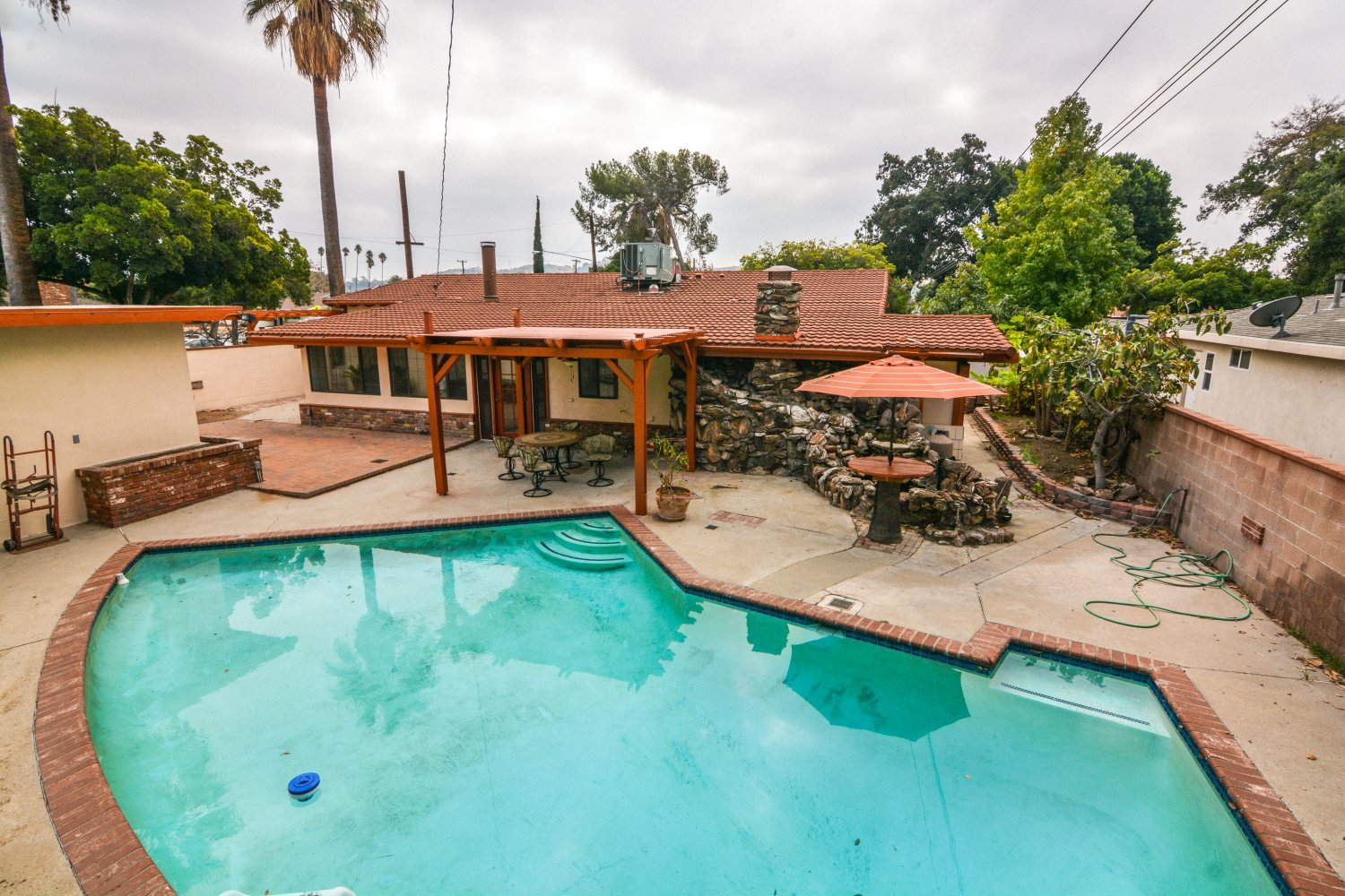 659 East Foothill Blvd | Large Photo 23