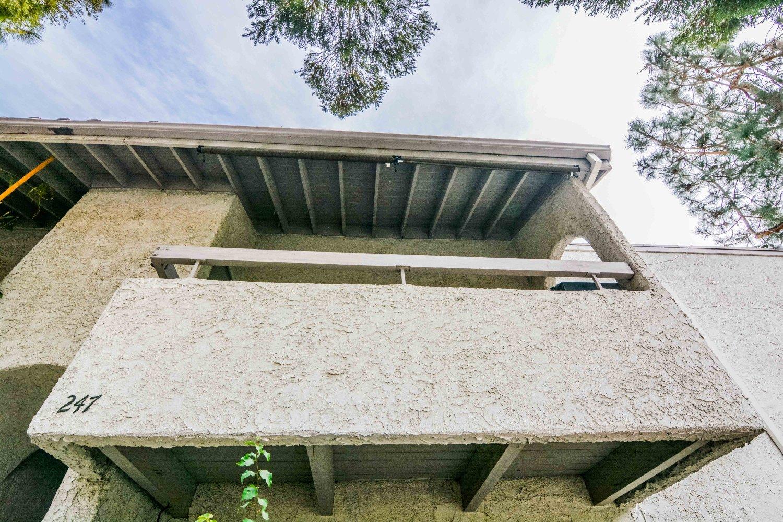25015 Peachland Ave | Large Photo 25