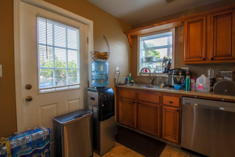 10631 Woodward Ave | Large Photo 6