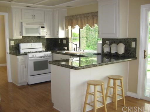 15734 Kenneth Place | Photo 4