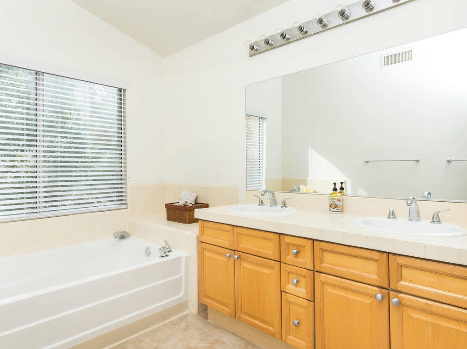 23544 Clearidge Dr | Photo 17