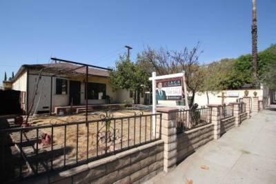 541 Sierra MadreVilla Ave.