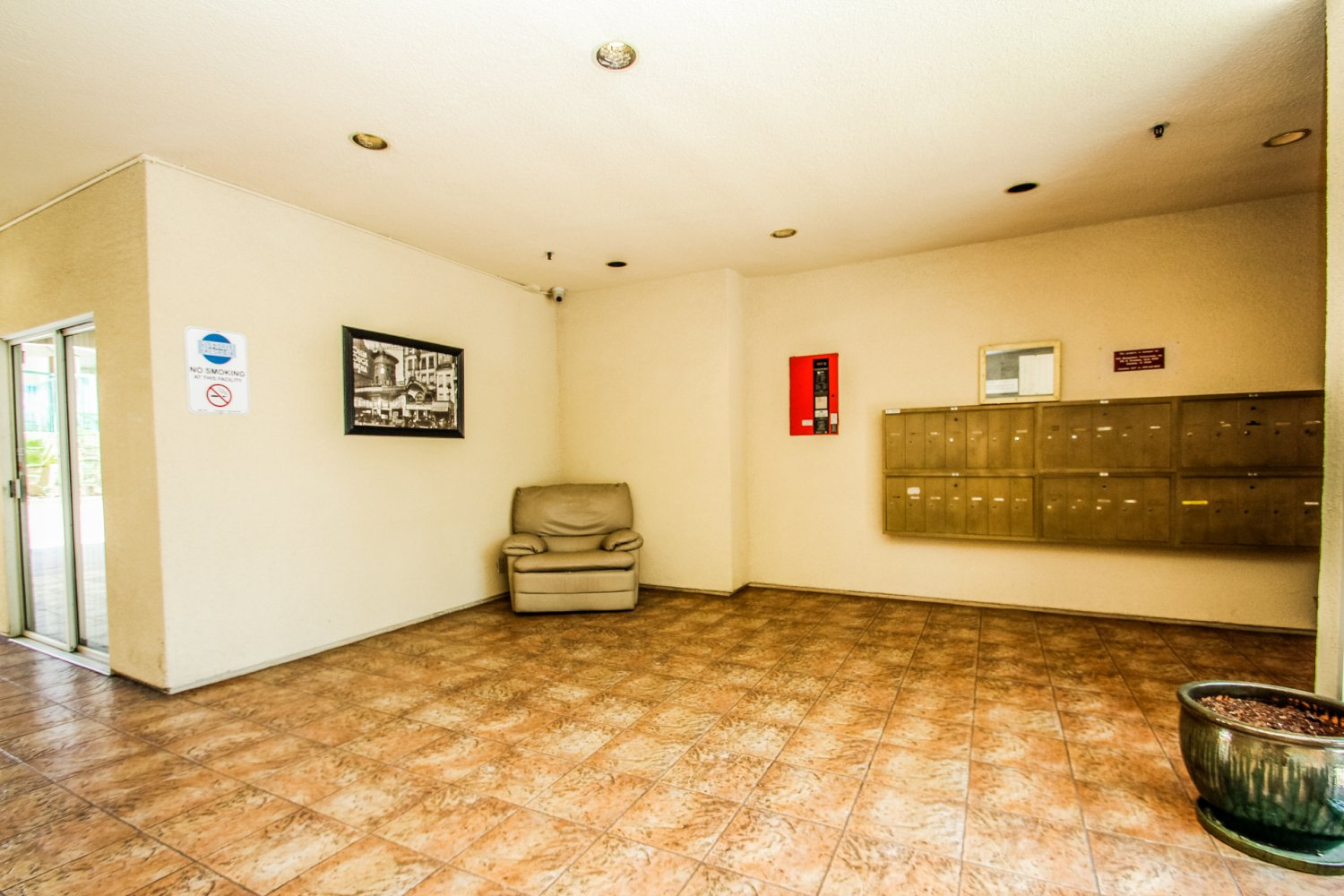1131 Campbell St | Large Photo 4