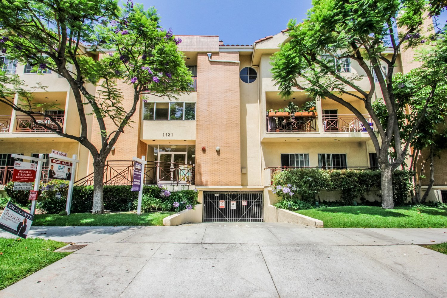 1131 Campbell St | Large Photo 1