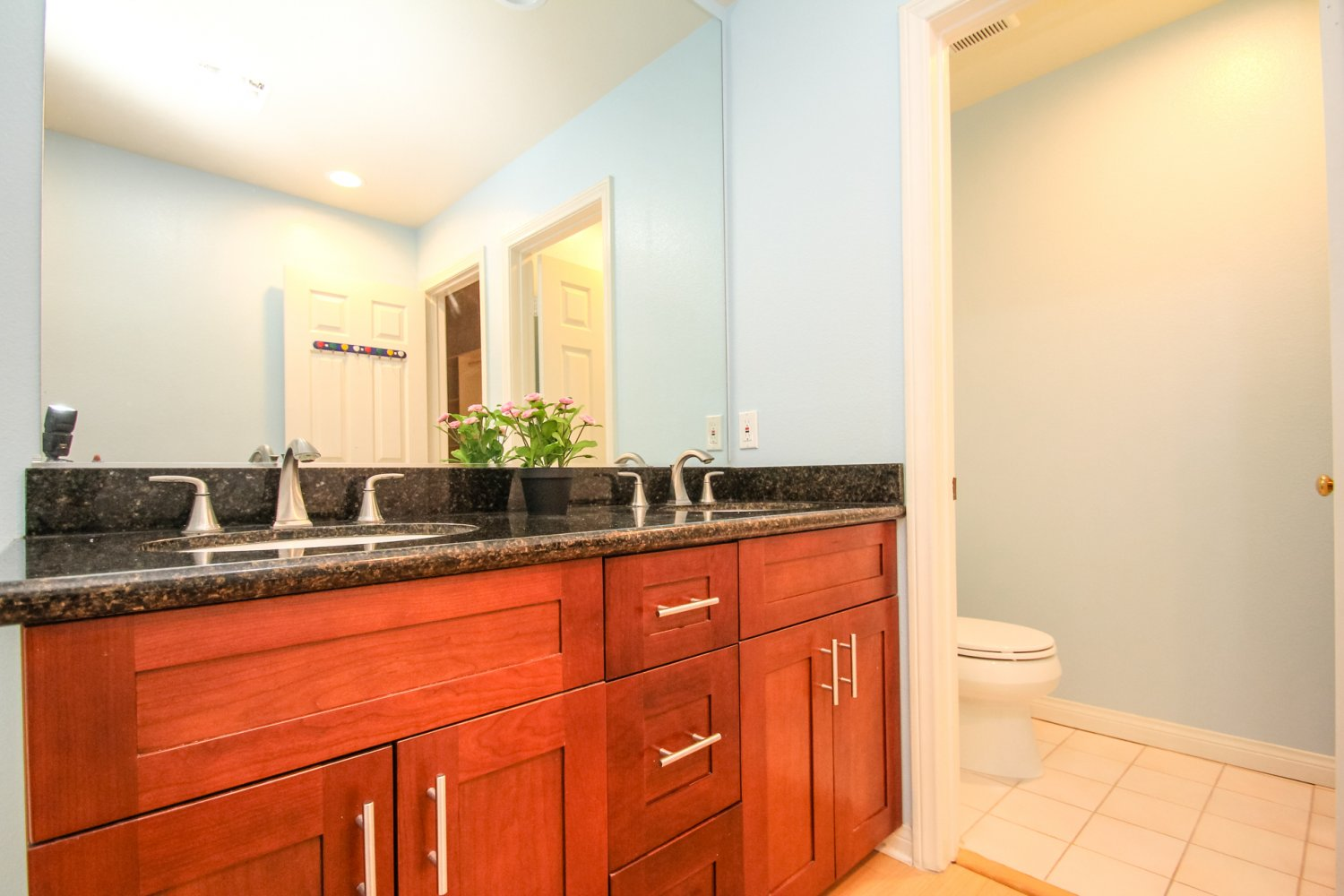 1131 Campbell St | Large Photo 37