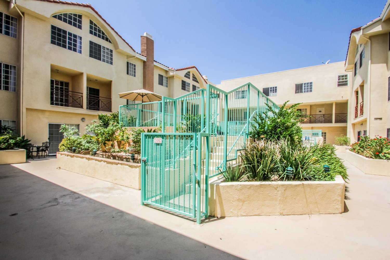 1131 Campbell St | Large Photo 5