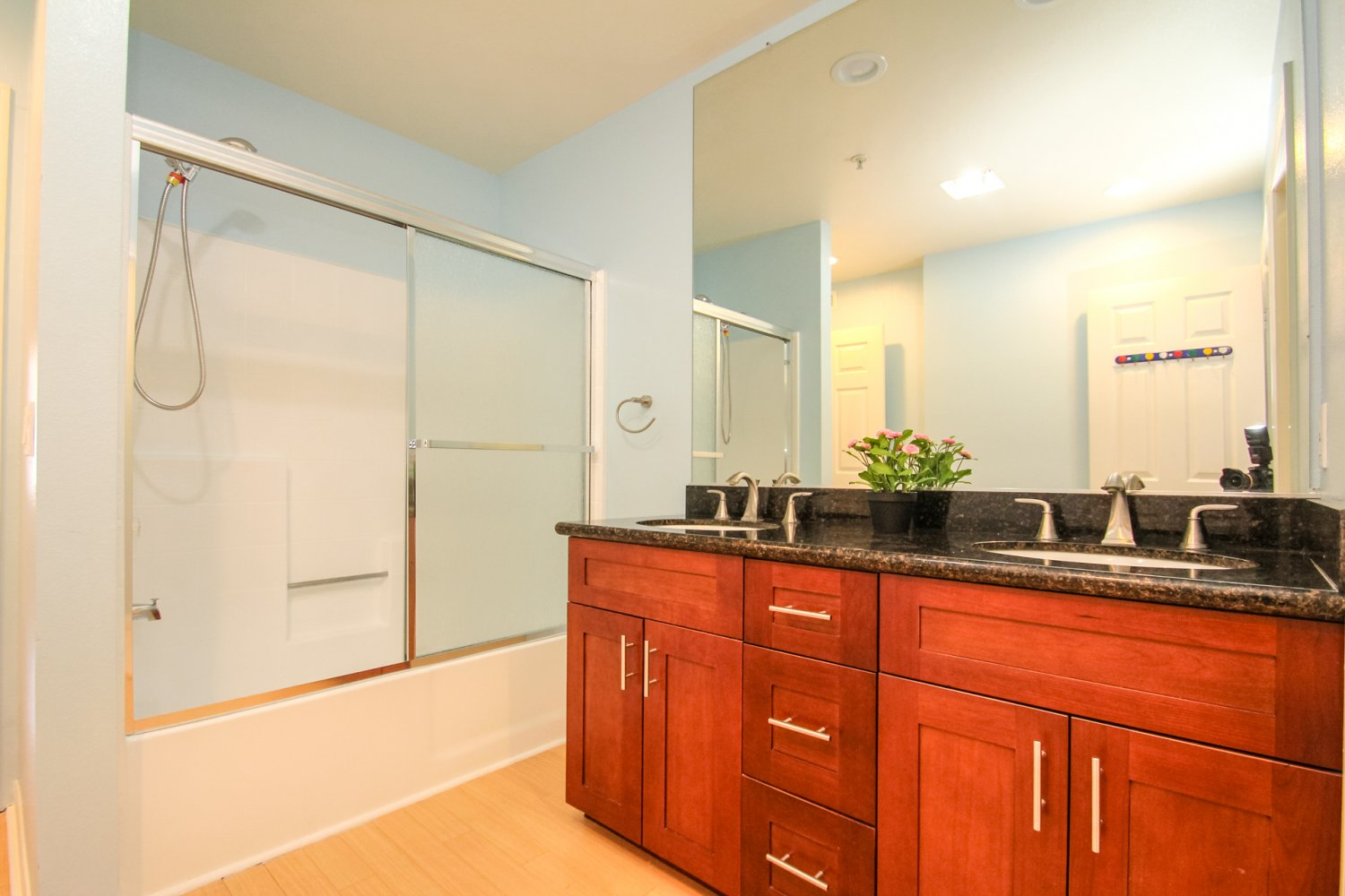 1131 Campbell St | Large Photo 36