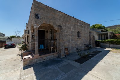 5432 La Mirada Avenue