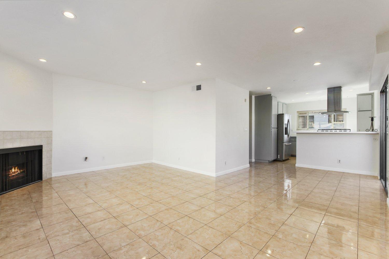 7409 Woodman Avenue | Large Photo 12