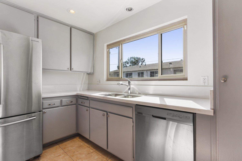 7409 Woodman Avenue | Large Photo 14