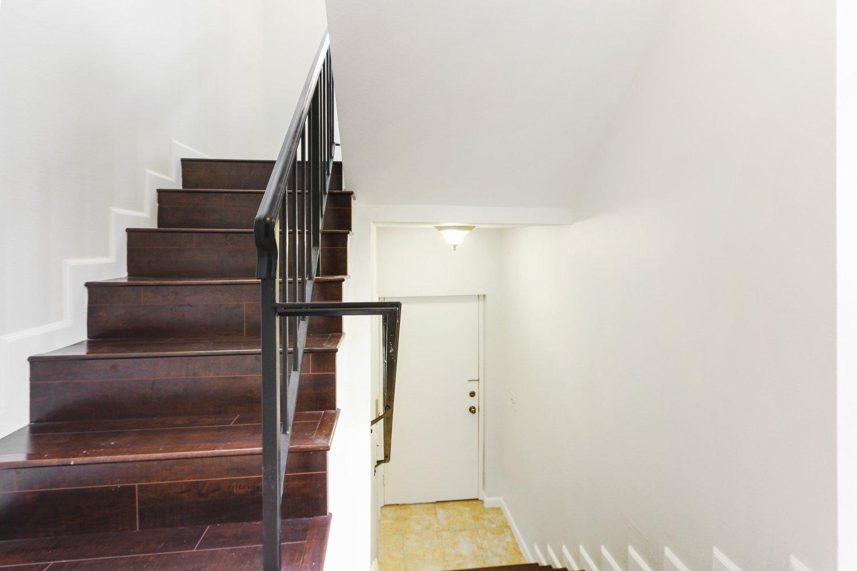 7409 Woodman Avenue | Large Photo 22