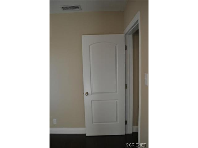 2048 North Kenwood Street | Photo 11