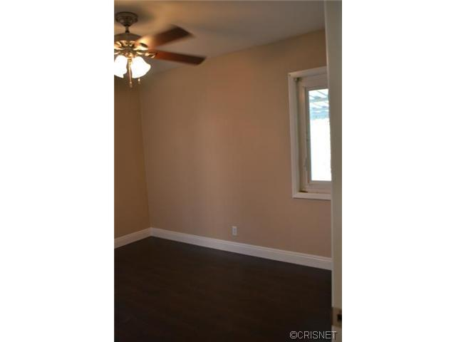 2048 North Kenwood Street | Photo 6