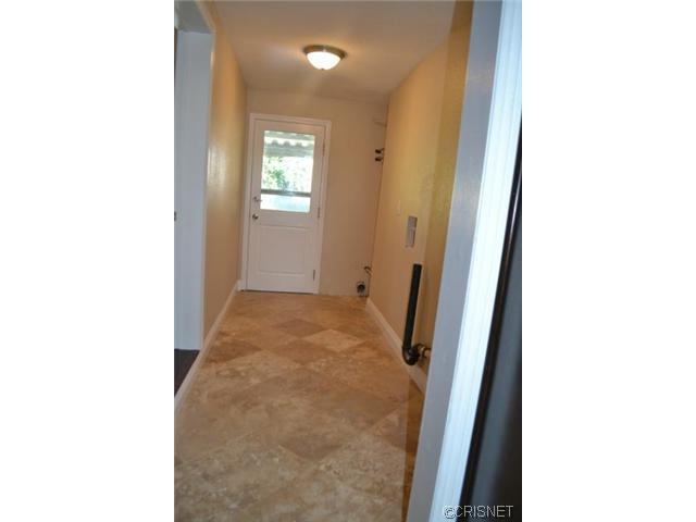 2048 North Kenwood Street | Photo 7