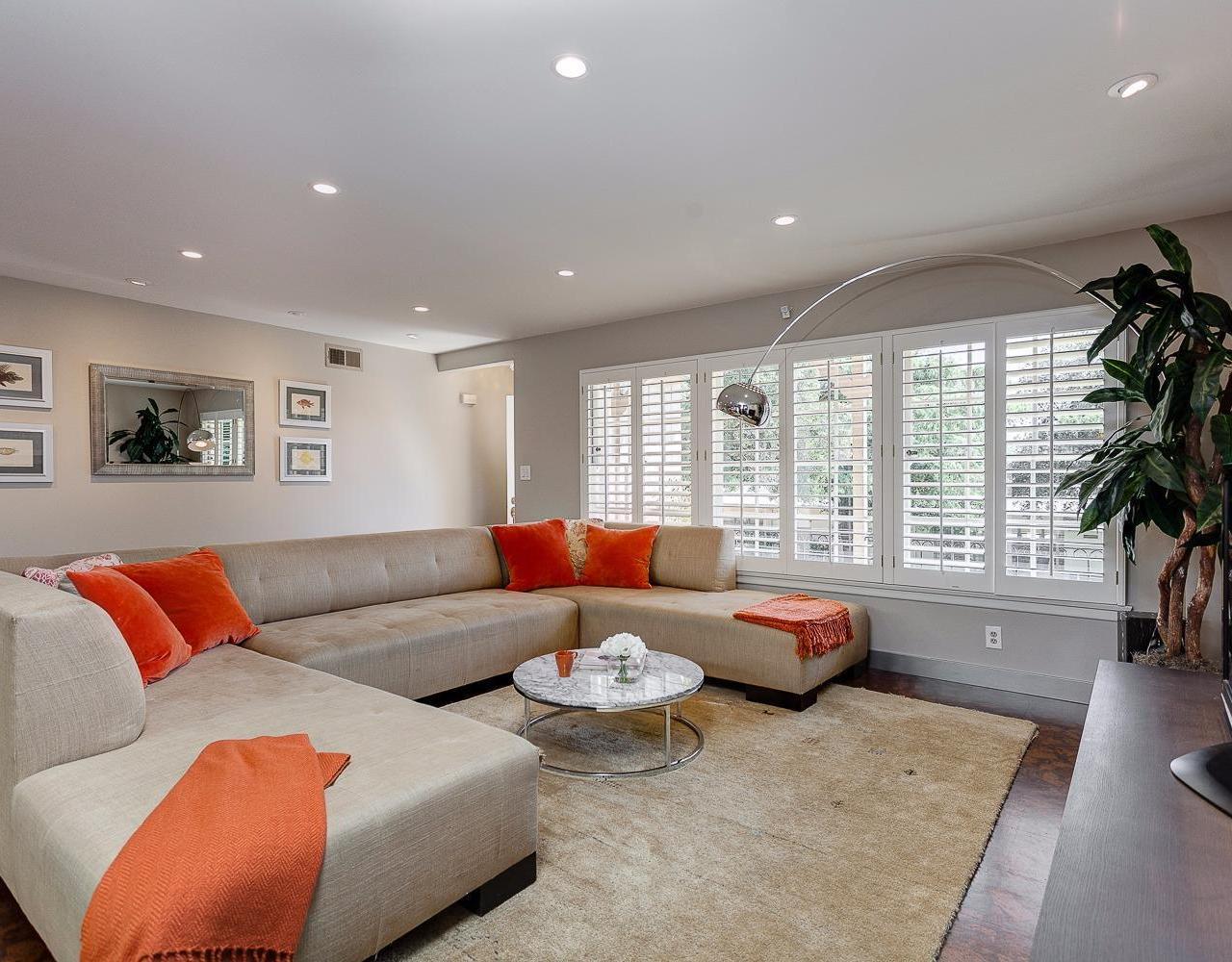 2653 Orange Avenue